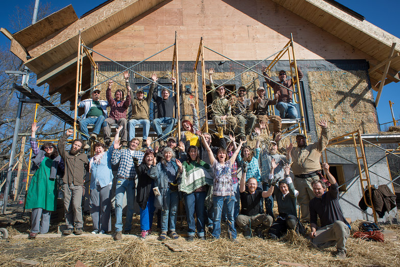 Strawbale Workshop Group Picture