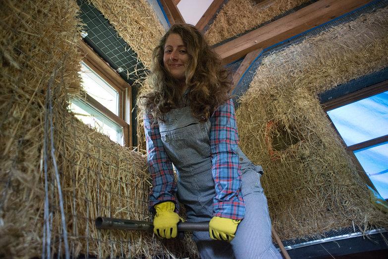 Tara Stretching Wire Mesh Over Straw Bale