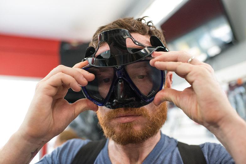 Pete Testing Scuba Mask