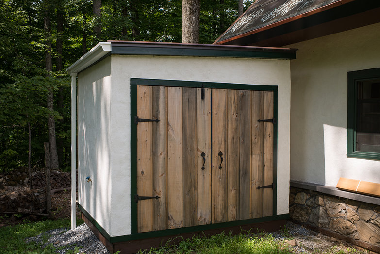 Cistern Shed with Repainted Trim