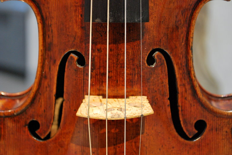 "Antonio Stradivari ""Scotland University"" (1734)"