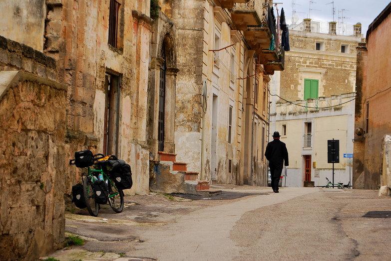 Tara's Bike in Matera Sassi