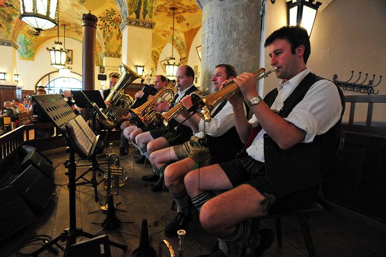Hofbräuhaus Oompah Band