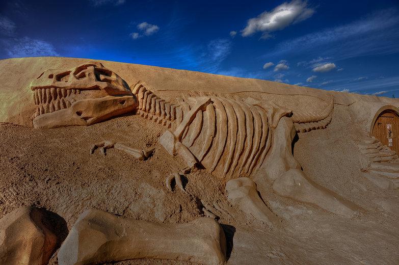 T-Rex Sand Sculpture (HDR)