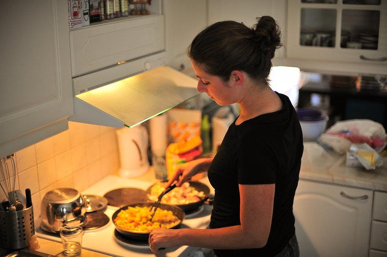 Tara Cooking