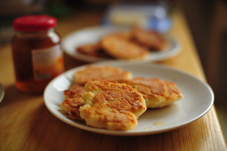 Syrniki (Sweet Cheese Fritters)