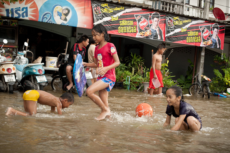 Kids Playing in Lopburi Flood