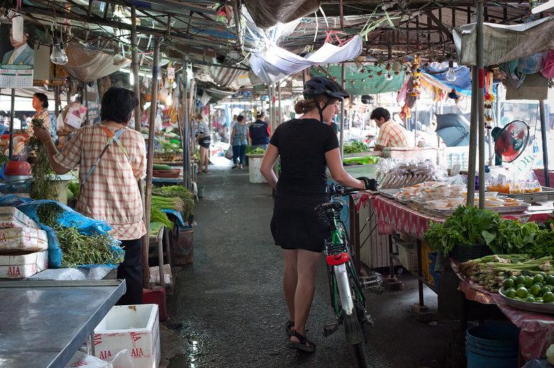 Tara in Thai Market