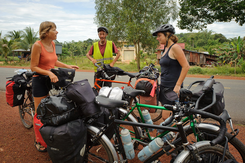 Tara & Belgian Cycle Tourists, Yvette & Leon