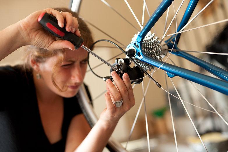 Tara Setting Limit Screws on Rear Derailleur