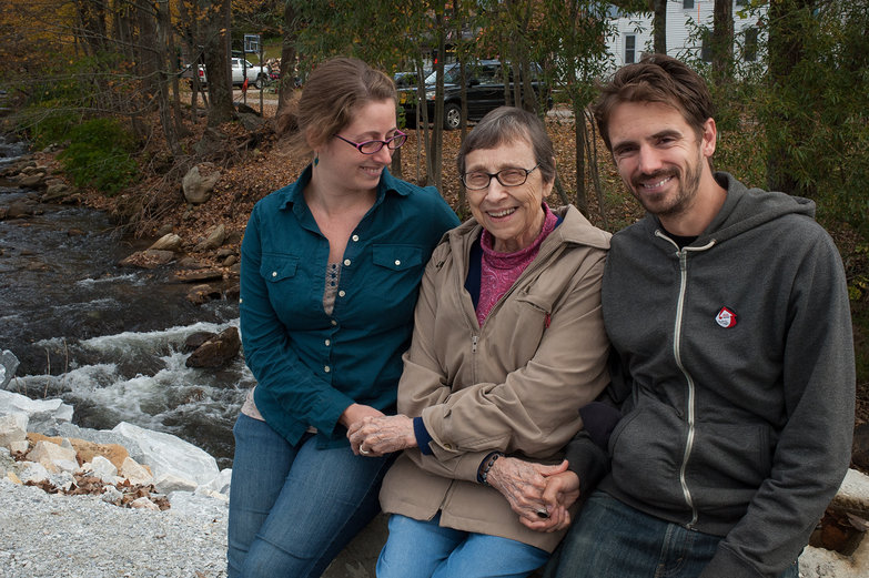 Tara, Grandma Jeanne & Lian