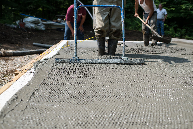 """Jitterbug"" Tamping Concrete Slab for Cottage"
