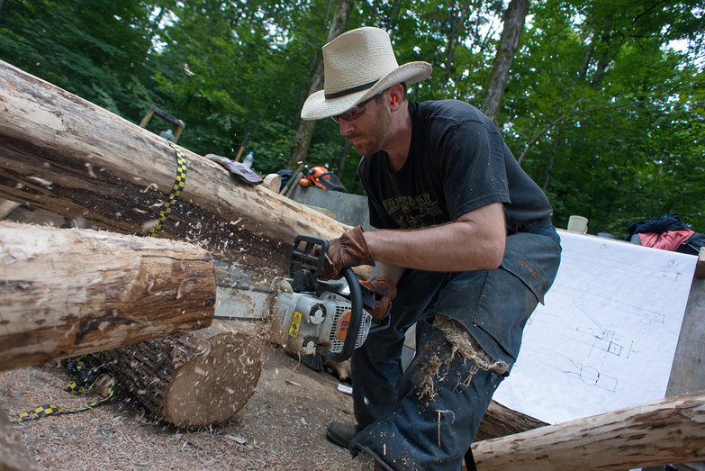 Trent Chainsawing a Grindbygg Knee Brace