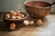Eggs & Bowl